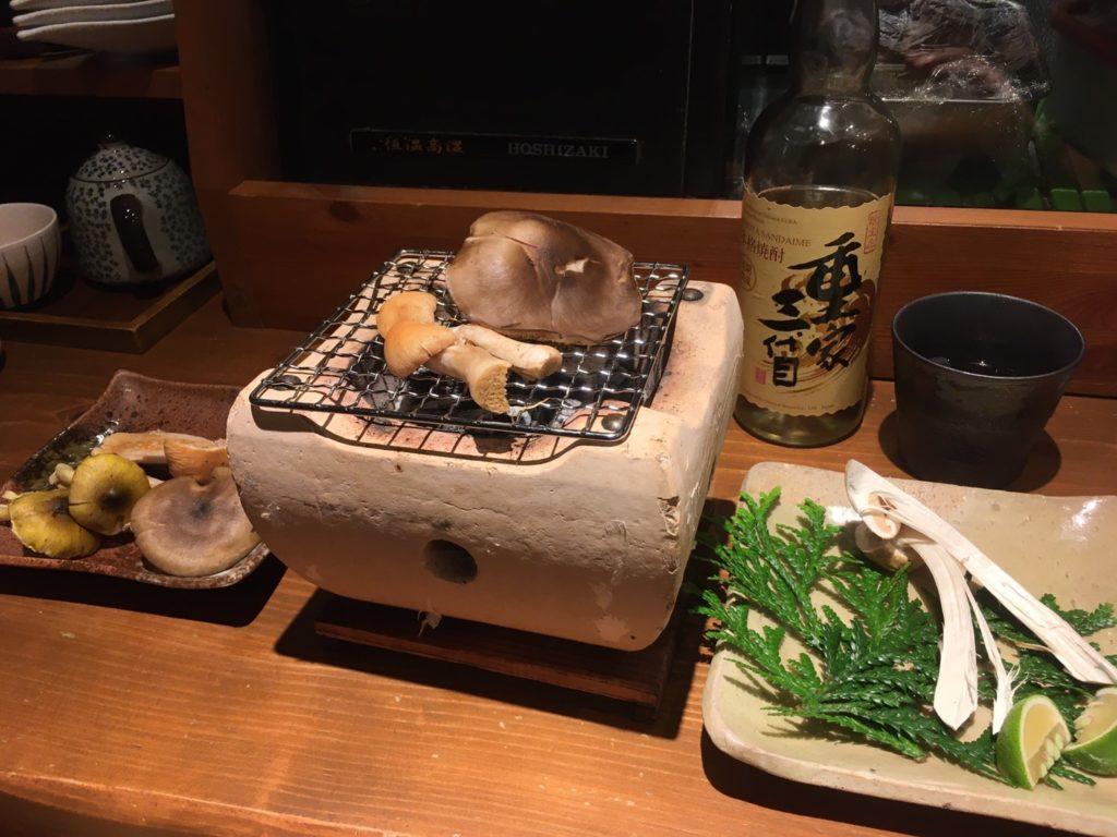 マツタケの七輪焼き